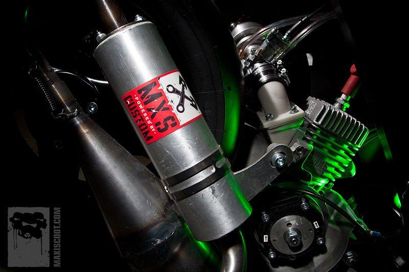 moteo-70-cc-minarelli-stehend-ac-booster-mxs-racing-maxiscoot