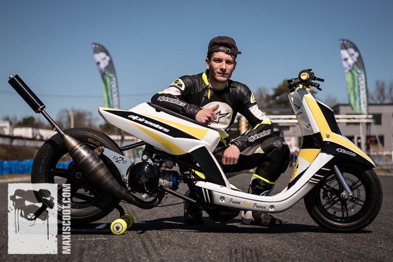 Jordan with MBK Booster 2Fast Alpinestars
